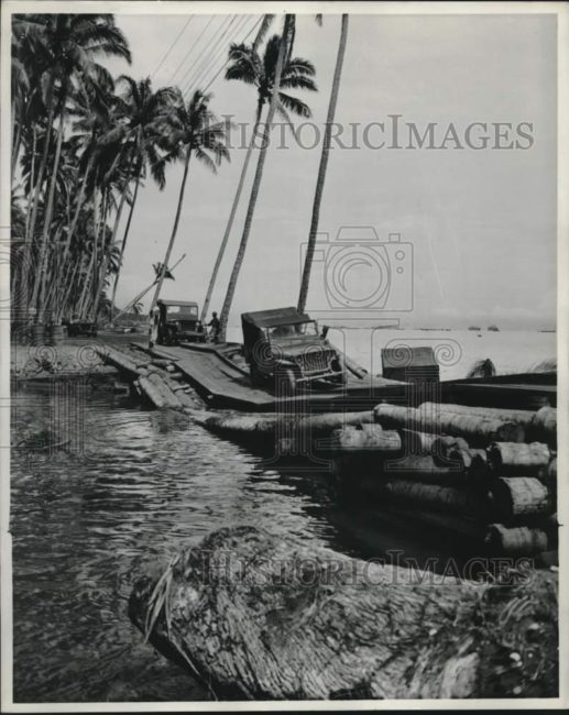 1944-04-30-guadacanal-jeeps1