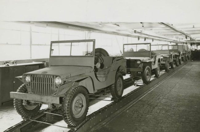 1941-03-28-fordgps-ford-factory