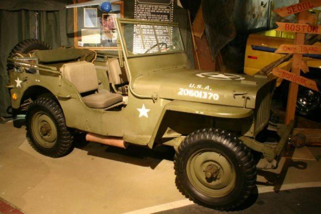 1941-willys-jeep-sinatra-burt-reynolds