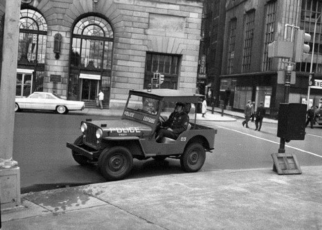 dj3a-police-jeeps4