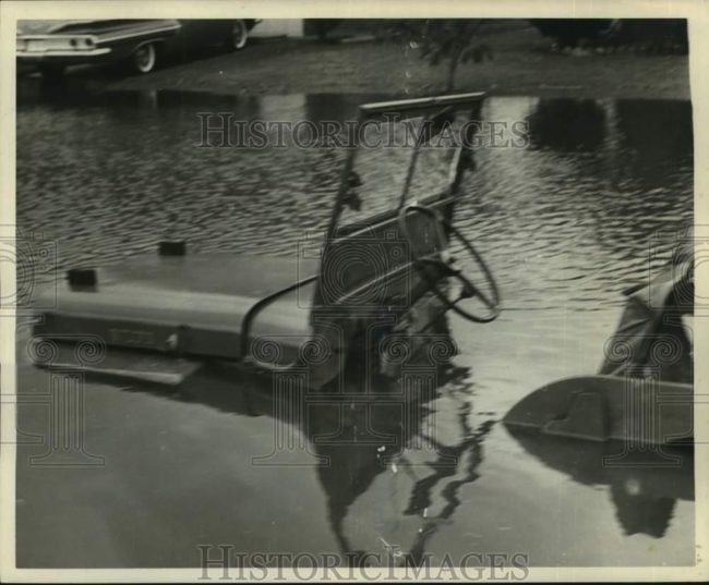 1961-06-19-houston-flood-jeep1