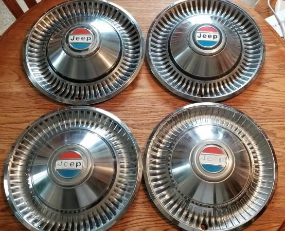 wagoneer-hubcaps