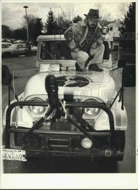 1978-11-bill-barriere-standing-on-jeep