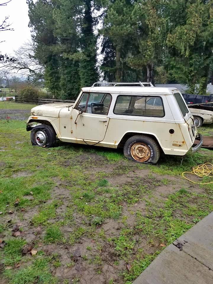 Craigslist Jeepster Commando - 0425