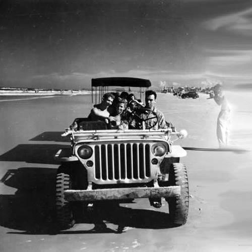 1946-mb-gpw-jeep-train-daytona-beach2