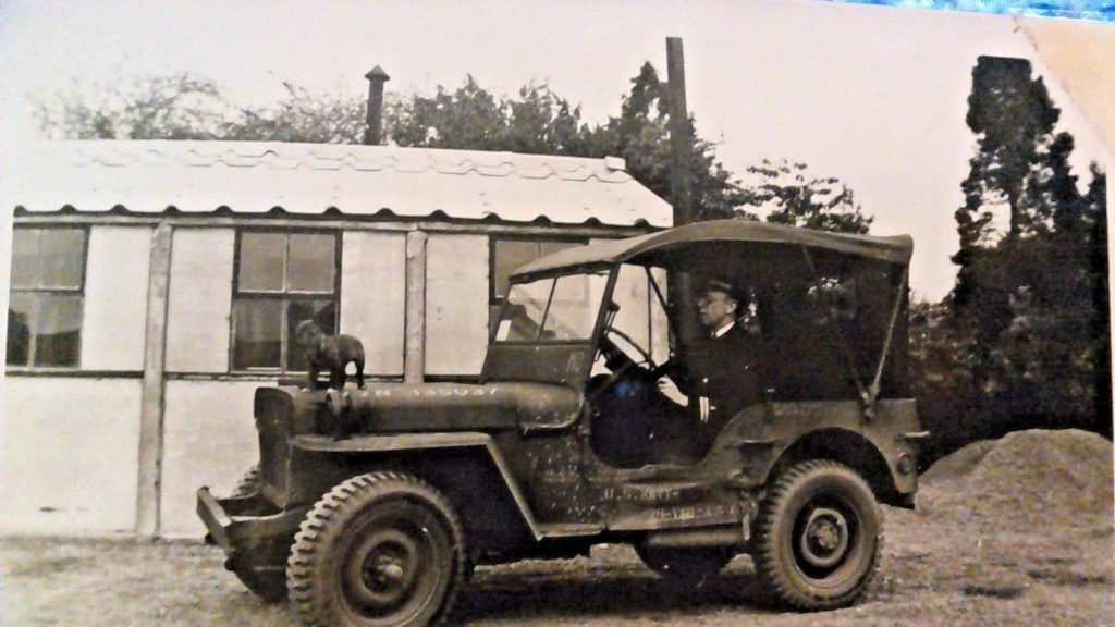 1944-jeep-welsh-terrior-hood1