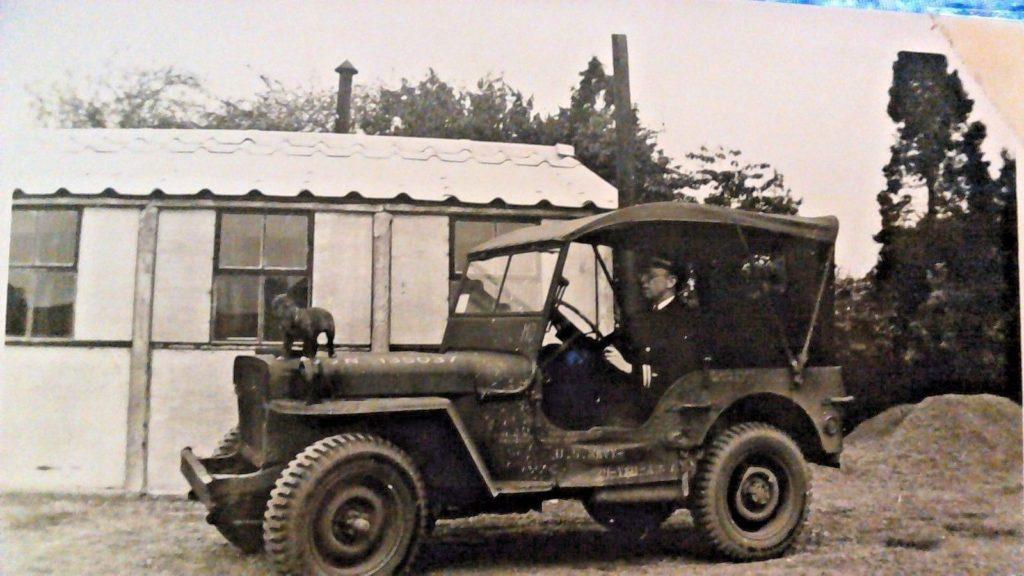 1944-jeep-welsh-terrior-hood1