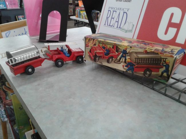 french-windup-fire-jeep-toy1
