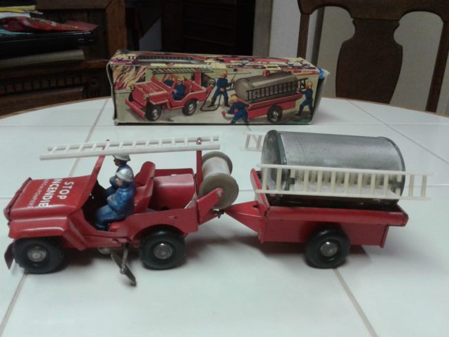 french-windup-fire-jeep-toy4