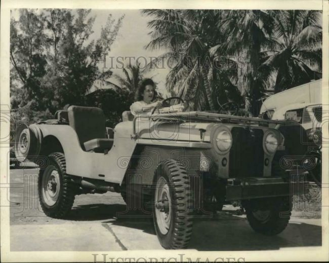 1945-08-08-shirley-watts-first-jeep1