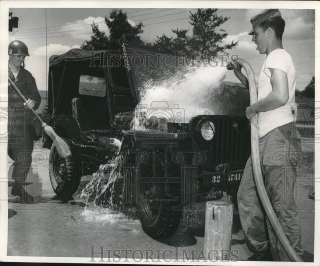 1956-06-30-wisconsin-nat-guard-washing-m38-1