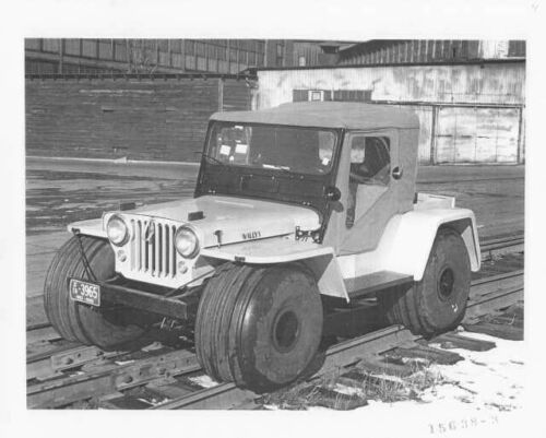 1957-photo-jeep-on-tracks