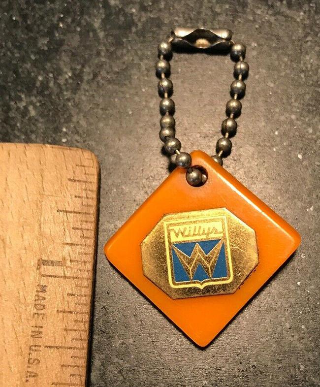 willys-bakelight-key-chain