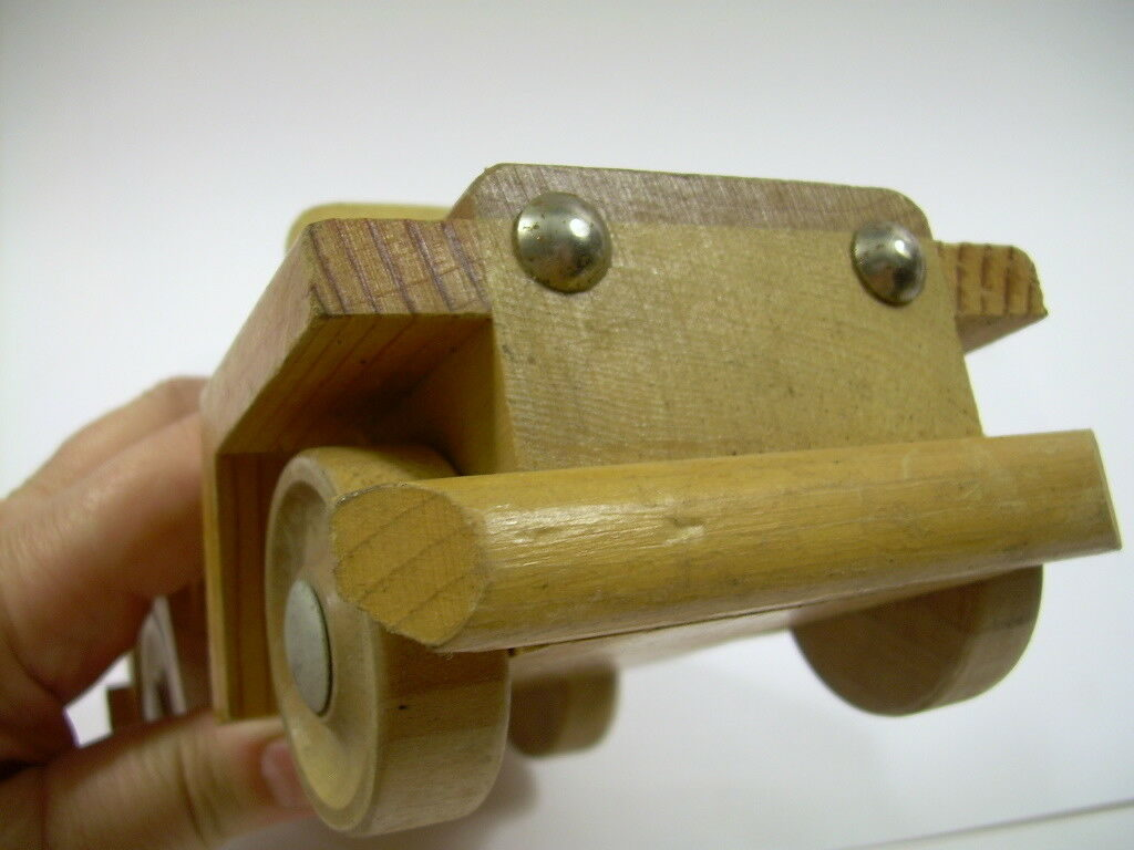 wood-toy-car-possibly-kempro1