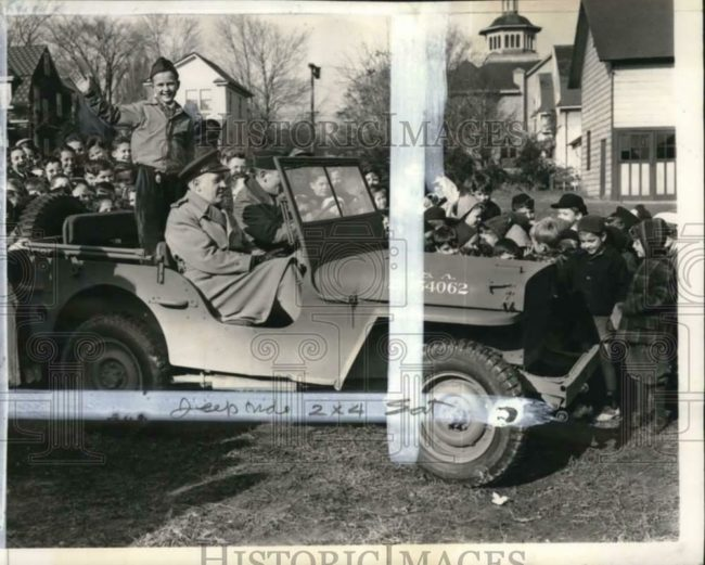 1943-11-10-car-buehler-first-jeep-ride-nj1