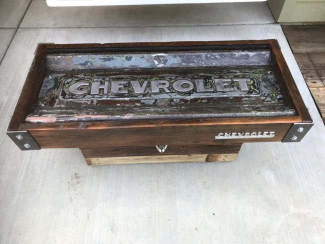 chevy-tailgate-coffee-table3