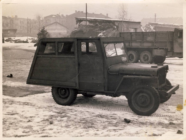 odd-topped-wood-europe-jeep1