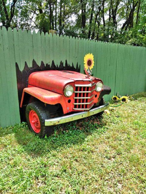 1950-wagon-chassis-yard-art-batavia-oh1