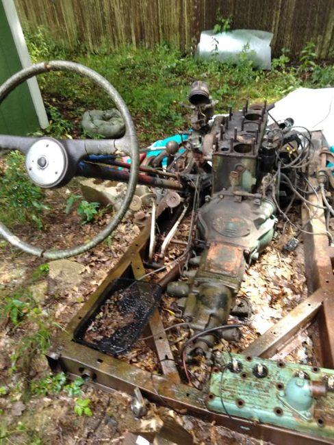 1950-wagon-chassis-yard-art-batavia-oh3