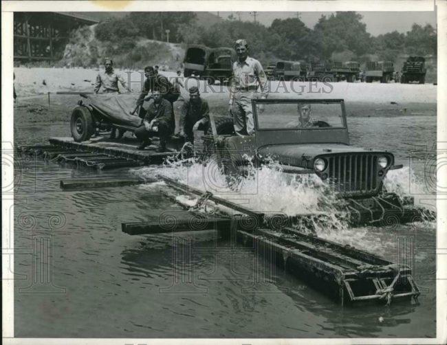 1942-07-03-testing-jeep-raft1