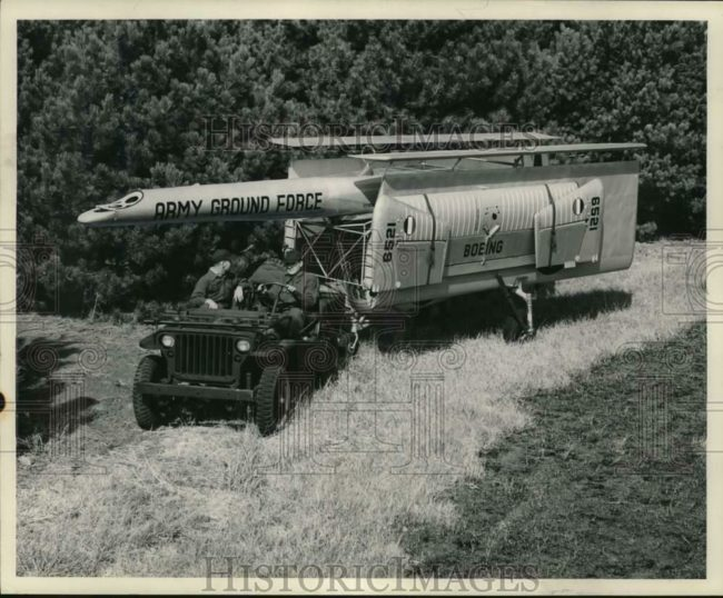 1947-10-29-jeep-pulling-boeing1