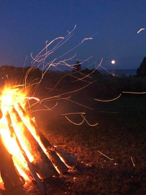 2019-08-15-pei-bonfire