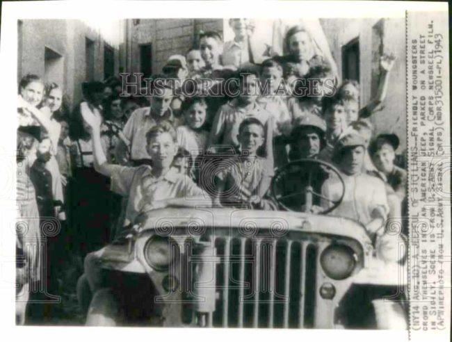 1943-08-16-kids-sicily-jeep1