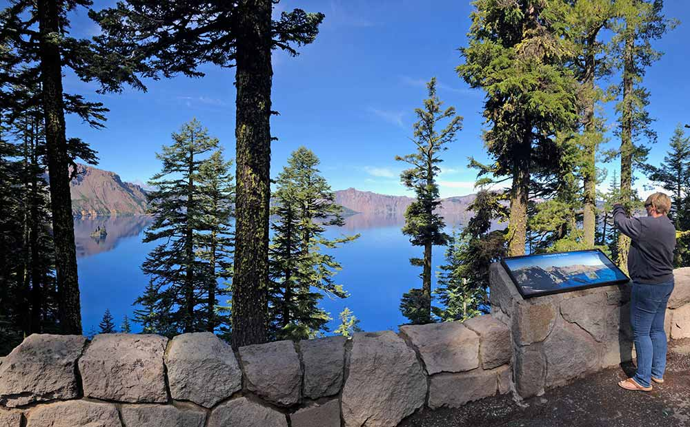 2019-09-23-crater-lake-np6-lores