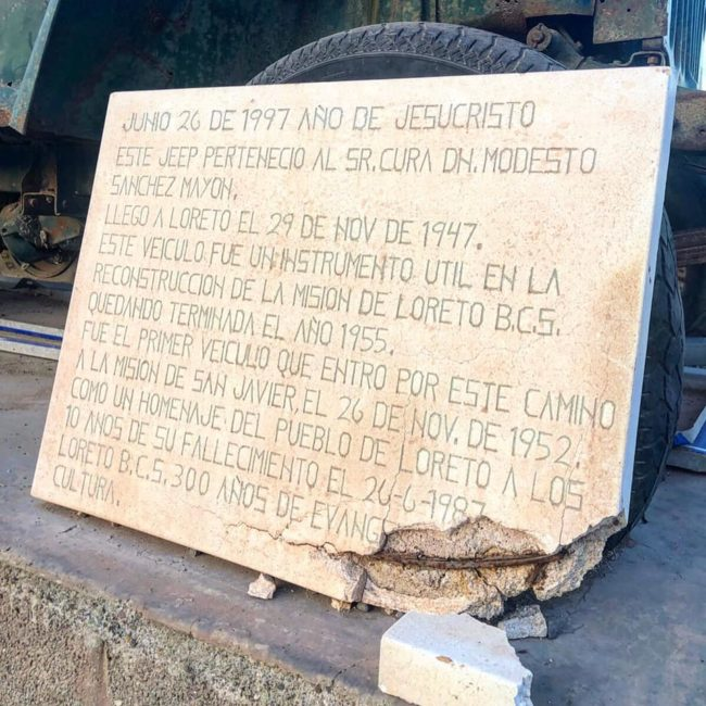 monument-to-jeep-mexico2