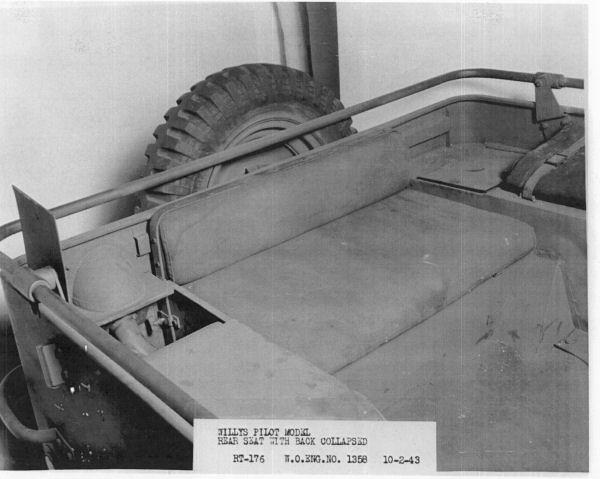 1940-willys-quad-interior4