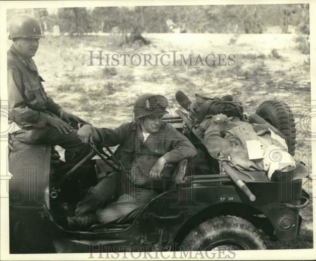 1951-05-24-jeep-demonstration-injured1