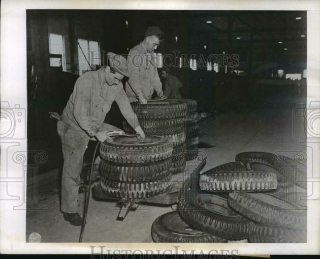 1943-11-03-jeep-tires1