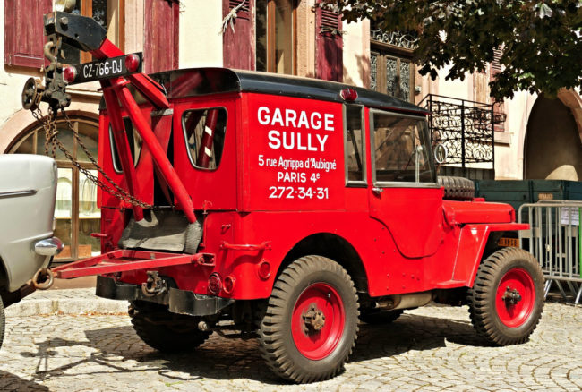 garage-sully-paris-mb-wrecker2