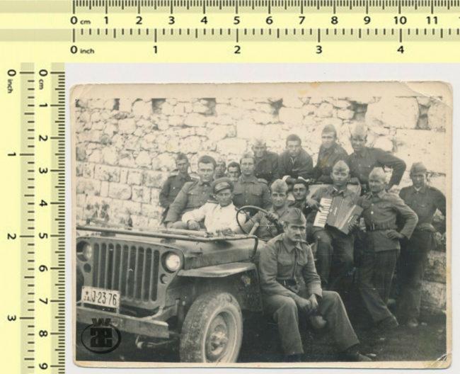 yugslav-band-on-jeep