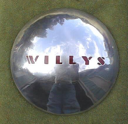 1940-willys-overland-hubcap-440