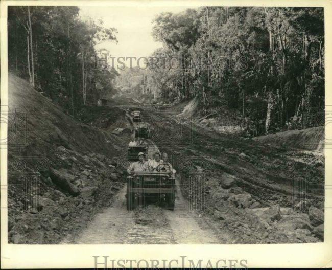 1942-02-06-panama-road1