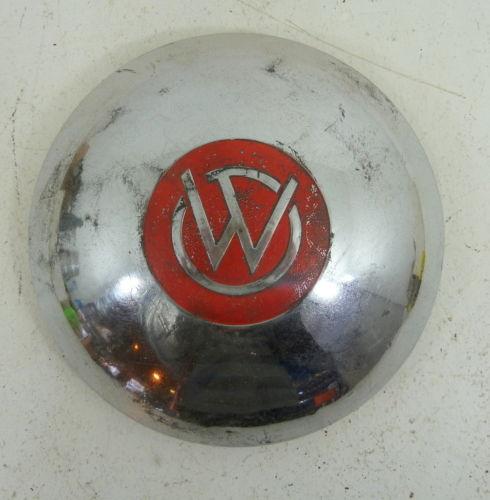 1946-wagon-hubcap