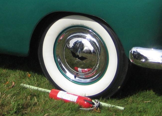 1955-willys-bermuda-hubcap