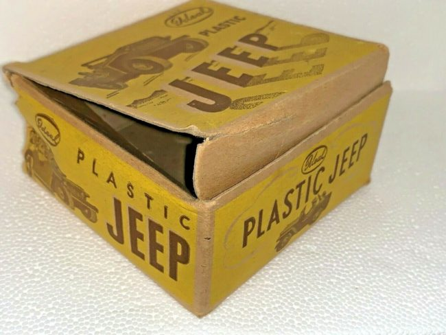 idea-plastic-jeep-with-box3