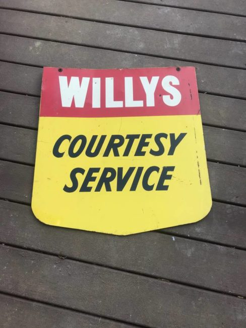 wiillys-courtesy-sign