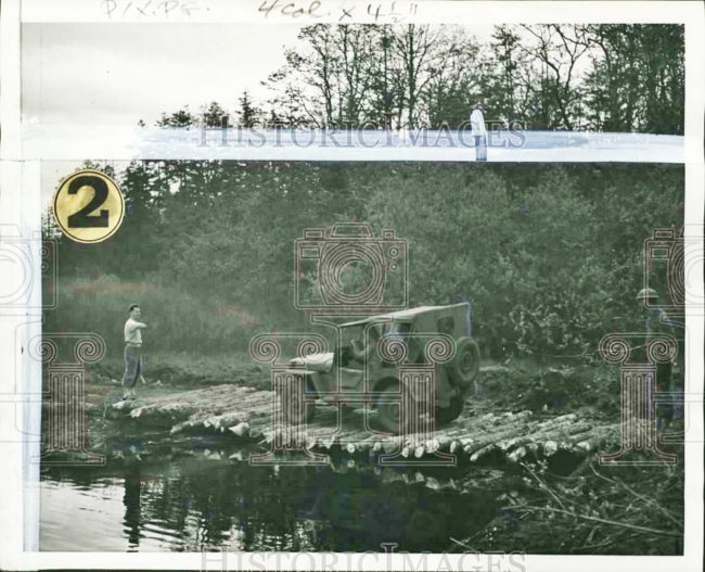 1942-05-13-jeep-crosses-practice-bridge1