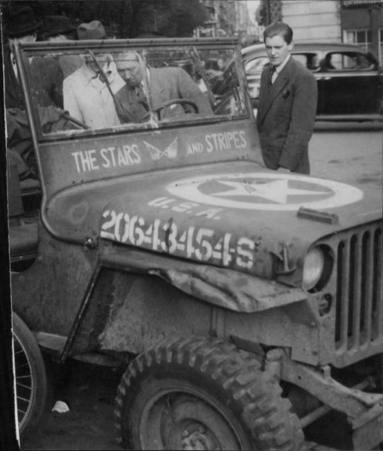 1945-05-29-stars-stripes-jeep1