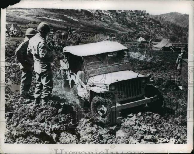 1951-05-08-jeep-korea-deep-mud1
