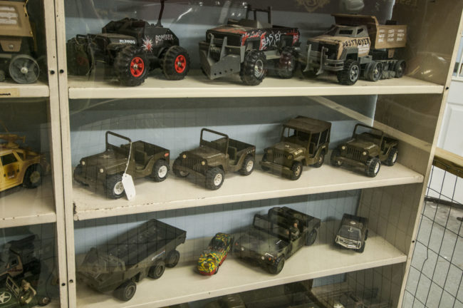 2013-5-11-jeeps-on-shelves-10_green