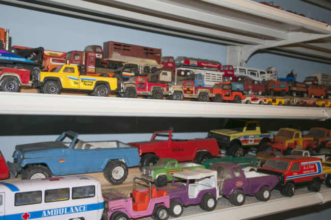 2013-5-11-jeeps-on-shelves-5-2