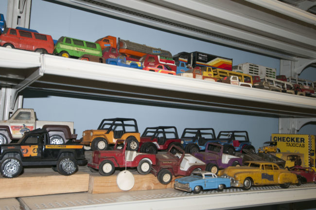2013-5-11-jeeps-on-shelves-7