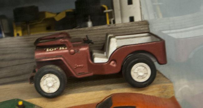2013-5-11-jeeps-on-shelves-9