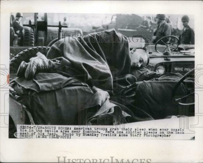 1950-08-04-korea-soldier-sleeping1