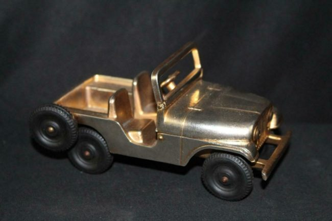 cj5-gold-promo-jeep1