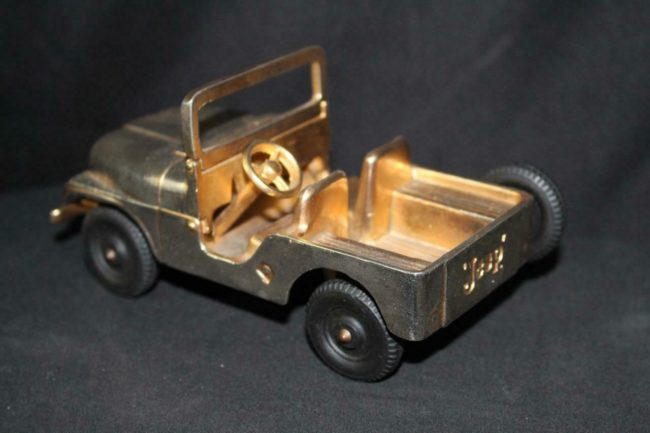 cj5-gold-promo-jeep2